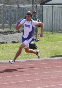 Grayson_running_the_4x100